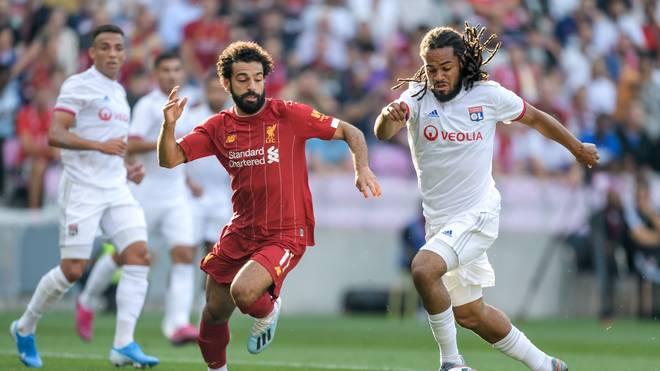 Mohamed Salah (l.) gewann mit dem FC Liverpool