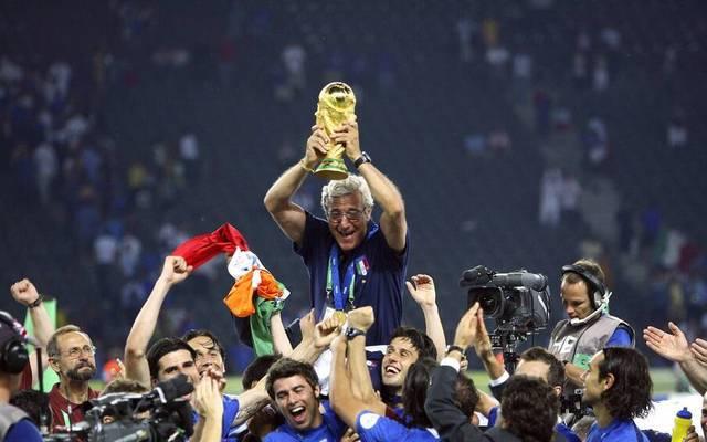 Sein größter Erfolg als Trainer Marcello Lippi führt Italien zum WM-Titel