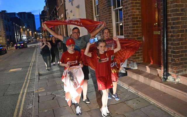 Schon während des Chelsea-Spiels zogen die Fans durch die Straßen