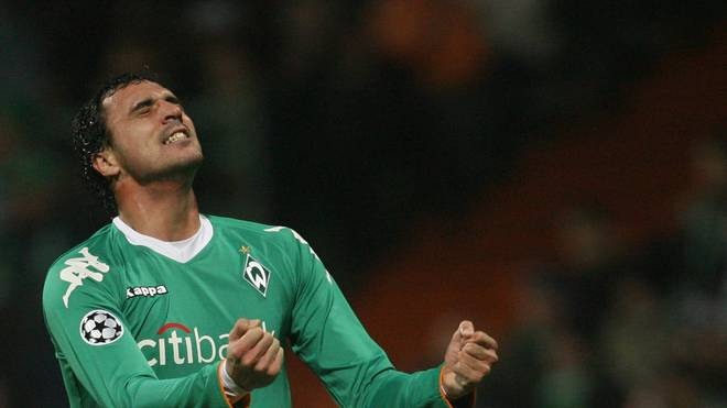 Werder Bremen's Portuguese striker Hugo Almeida reacts after a missed opportunity during the Werder Bremen (Germany) vs Lazio (Italy) group C Champions League football match in Bremen 24 October 2007. Bremen won 2 to 1. AFP PHOTO JOHN MACDOUGALL        (Photo credit should read JOHN MACDOUGALL/AFP via Getty Images)