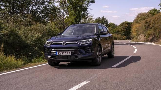 Optisch macht der Korando kaum noch einen Unterschied zum VW Tiguan oder Toyota RAV4. Mit einem Grundpreis von 22.990 Euro ist er jedoch deutlich günstiger