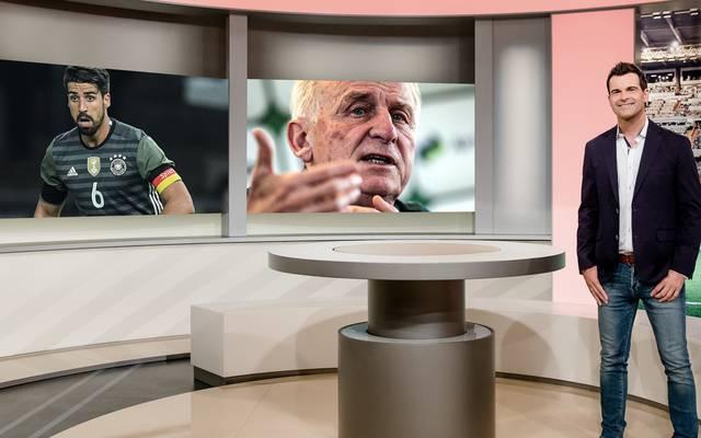Oliver Schwesinger moderiert Bundesliga Aktuell am Dienstag