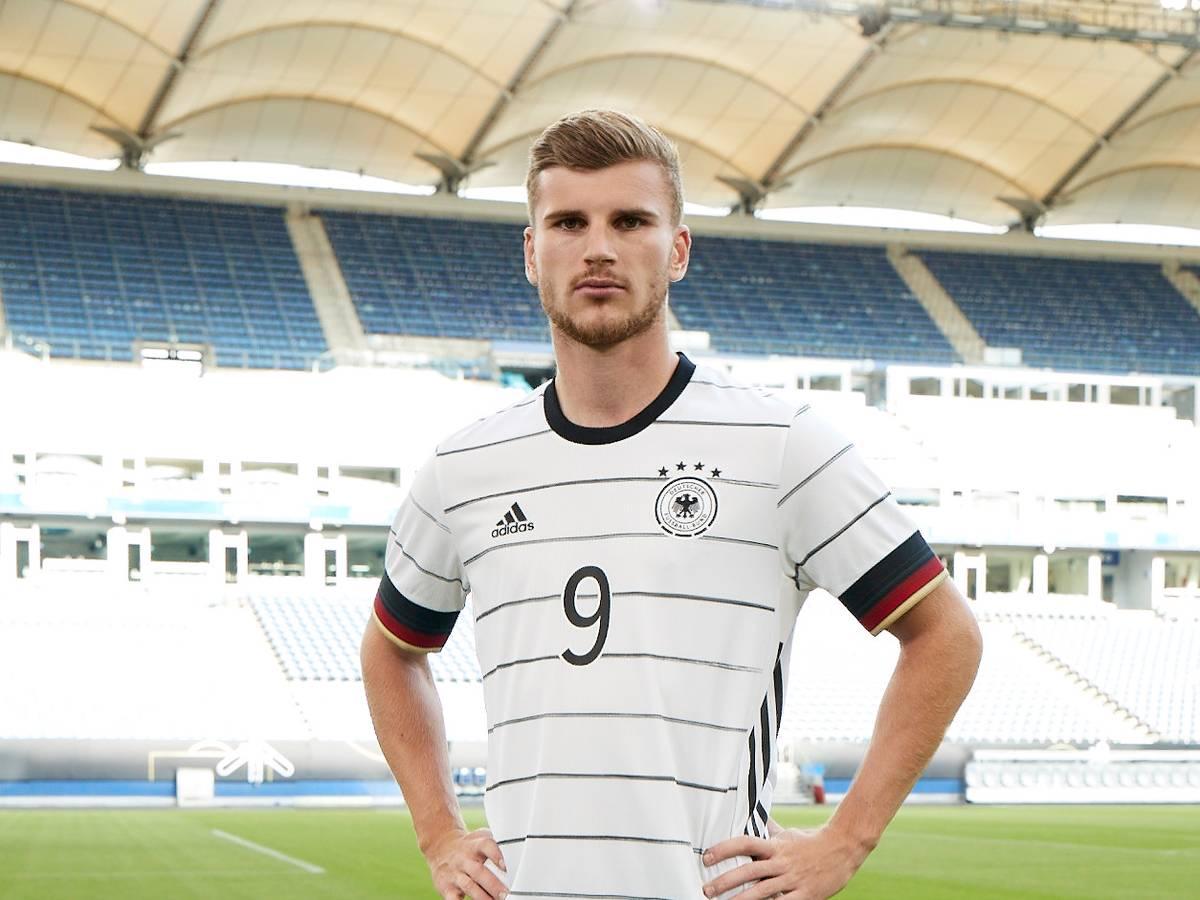 A Frauen: DFB und adidas präsentieren neues Trikot :: DFB