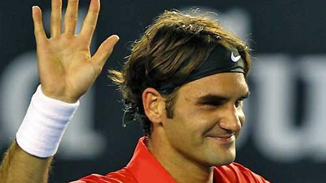 Roger Federer schlägt am Stuttgarter Weißenhof auf