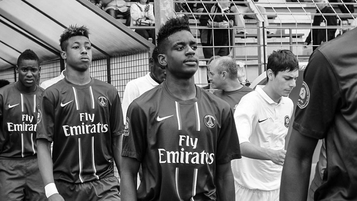 Jordan Diakiese (Bildmitte) lief für PSG in der Youth League auf