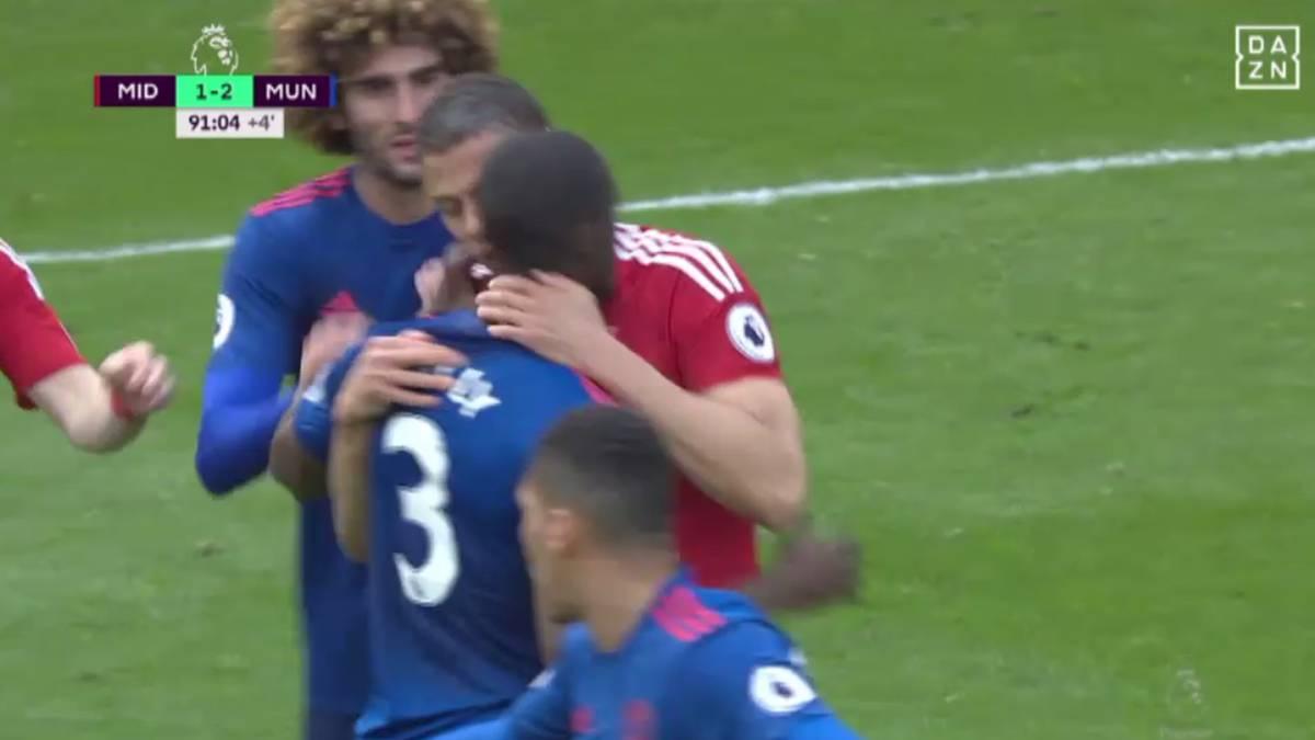 Beißattacke? Eklat bei United-Spiel