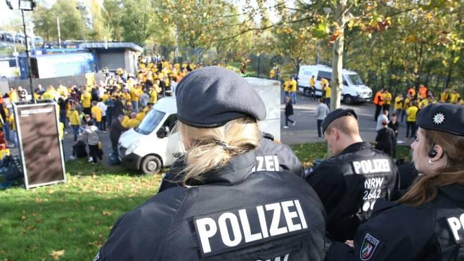 Illegales Fußballturnier wird von Polizei gestoppt