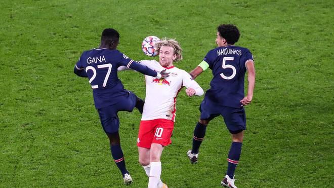 Emil Forsberg wird gegen PSG in die Mangel genommen