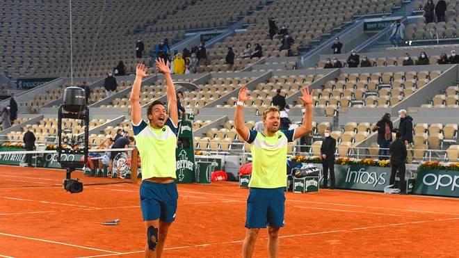 Kevin Krawietz (r.) und Andreas Mies siegten erneut im Doppel bei den French Open