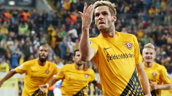 Justin Eilers (2.v.r.) kam im Sommer vom VfL Wolfsburg II zu Dynamo Dresden
