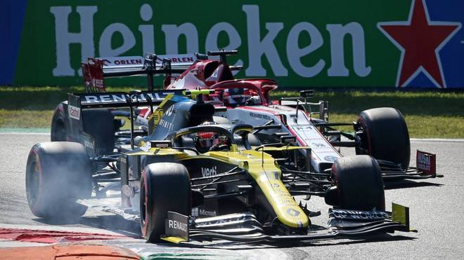 Zwischen Esteban Ocon (v.) und Kimi Räikkönen kam es zu einer brenzligen Situation