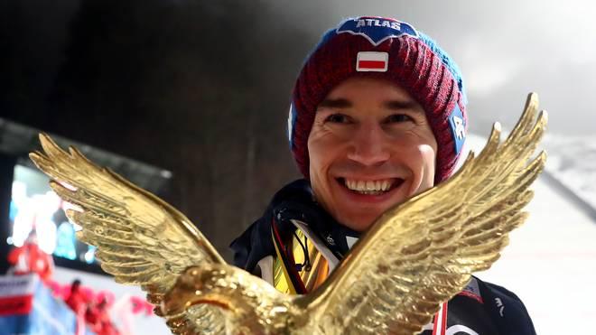 Kamil Stoch hat den Rekord von Sven Hannawald eingestellt und alle vier Spiele bei der Vierschanzentournee gewonnen