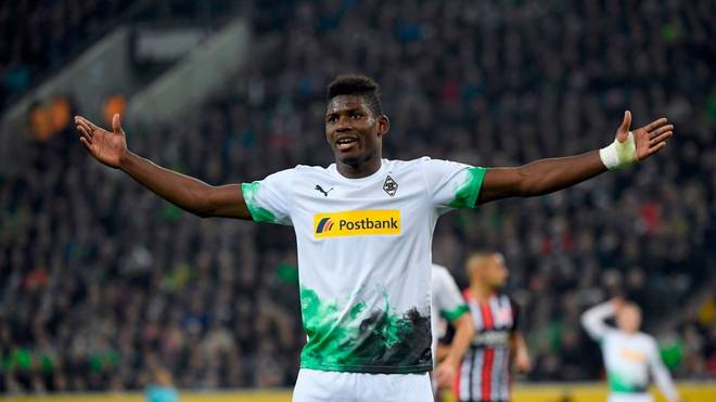 Moenchengladbach's Swiss forward Breel Embolo reacts during the German First division Bundesliga football match between Borussia Moenchengladbach and Eintracht Frankfurt, on October 27, 2019 in Moenchengladbach. (Photo by INA FASSBENDER / AFP) / DFL REGULATIONS PROHIBIT ANY USE OF PHOTOGRAPHS AS IMAGE SEQUENCES AND/OR QUASI-VIDEO (Photo by INA FASSBENDER/AFP via Getty Images)