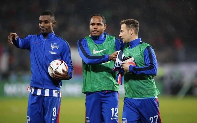 Ronny (M.) spielte bei Hertha an der Seite von Salomon Kalou (l.)
