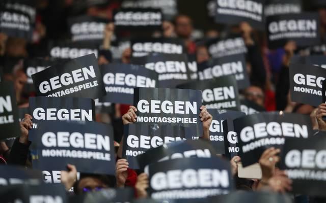 Stimmungsboykott: Fans protestieren gegen DFB und DFL.