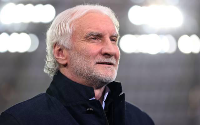 Rudi Völler will den Bayern mit Bayer Leverkusen ein Bein stellen