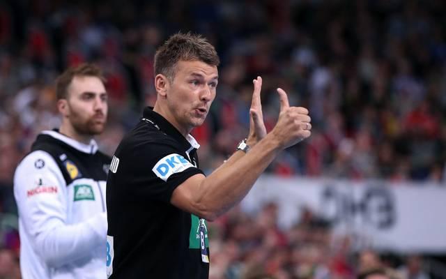 Bei der Handball-EM sind das DHB-Team und Bundestrainer Christian Prokop gegen Lettland gefordert