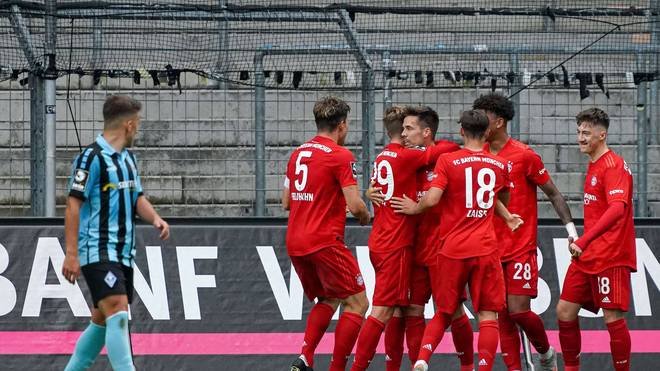 Der FC Bayern II siegt im Spitzenspiel bei Mannheim
