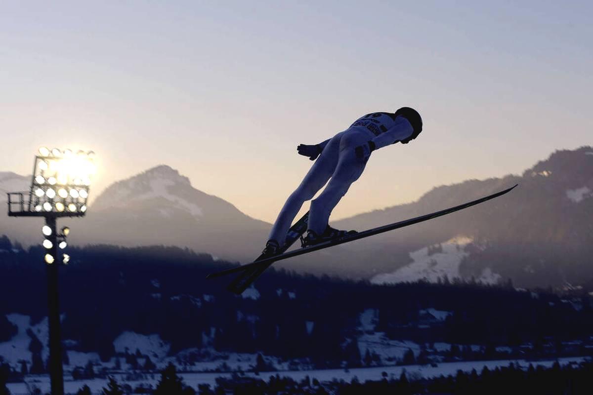 Die öffentlich-rechtlichen Fernsehsender haben sich die Rechte an einem umfangreichen Wintersport-Paket gesichert.