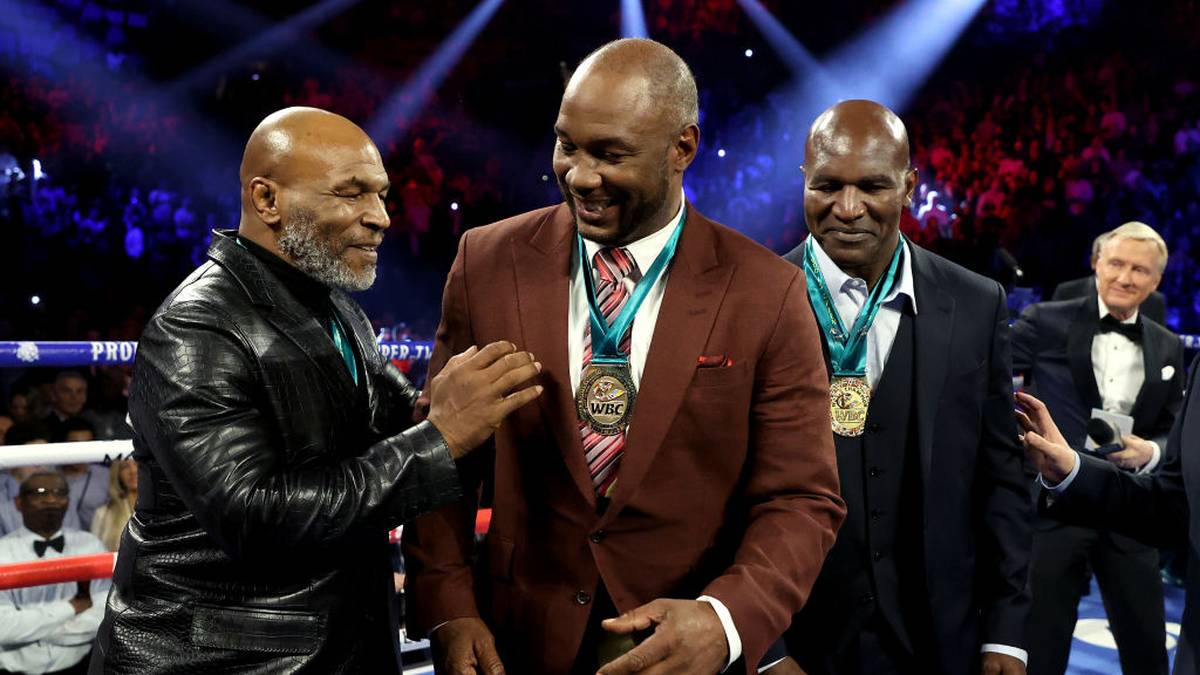 LAS VEGAS, NEVADA - FEBRUARY 22:  (L-R) Former Heavyweight Champions Mike Tyson, Lennox Lewis and Evander Holyfield are honored prior to the Heavyweight bout for Wilder's WBC and Fury's lineal heavyweight title between Tyson Fury and Deontay Wilder on February 22, 2020 at MGM Grand Garden Arena in Las Vegas, Nevada. (Photo by Al Bello/Getty Images)
