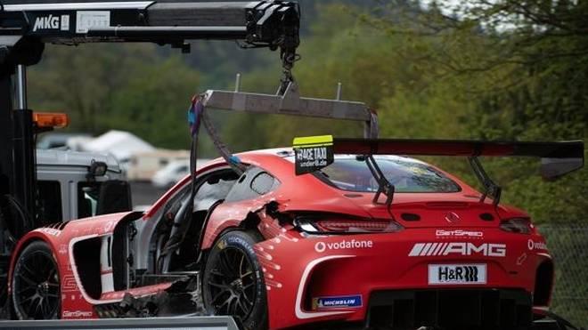 Die beiden Mercedes-AMG von GetSpeed und Black Falcon sind erledigt
