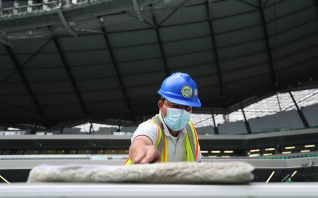Auf den Stadionbaustellen zur WM 2022 in Katar ist es bei den Arbeitern zu fünf Corona-Infektionen gekommen