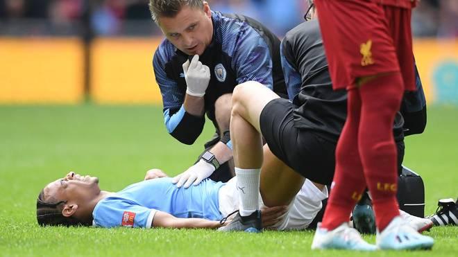 Leroy Sané muss nach einer Verletzung am Knie behandelt werden.
