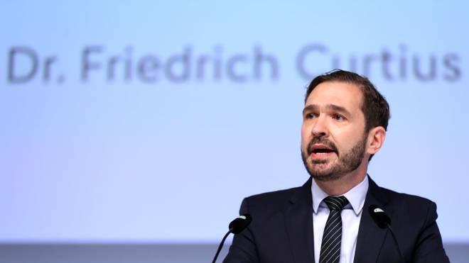 Friedrich Curtius macht den deutschen Fußball-Fans nur wenig Hoffnung
