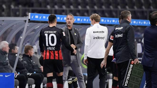 Eintracht-Trainer Adi Hütter muss den Ausfall von Filip Kostic kompensieren