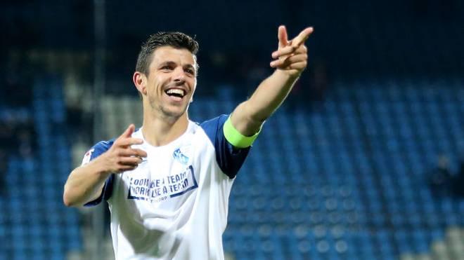 VfL Bochum verlängert mit Kapitän Anthony Losilla