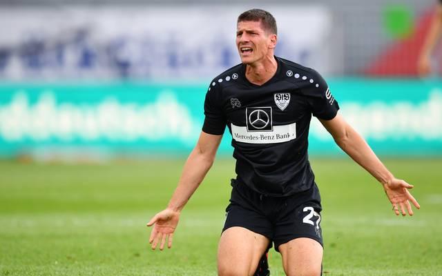 Mario Gomez ärgert sich über die Niederlage in Kiel