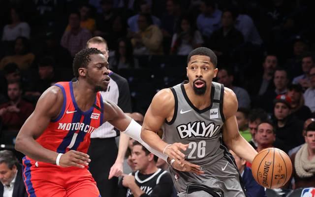 Spencer Dinwiddie im Duell mit seinem Ex-Team Detroit Pistons