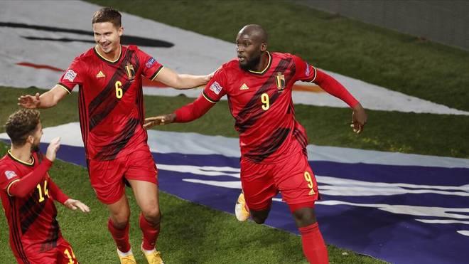 Romelu Lukaku (r.) traf gegen Dänemark doppelt