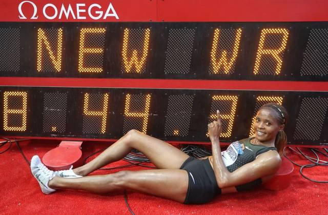 Beatrice Chepkoech feiert ihren neuen Weltrekord