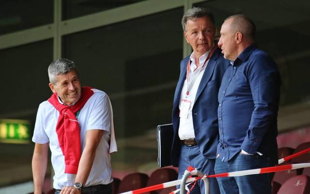 Martin Wagner (r.) tritt von seinen Ämtern beim 1. FC Kaiserslautern zurück