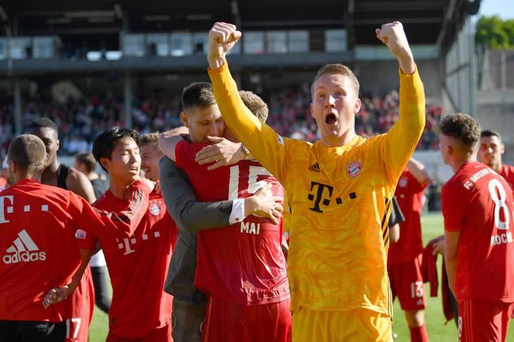 Am Sonntag feierte der FC Bayern nach dem Double der Profis einen weiteren großen Erfolg: Die U23 des Rekordmeisters gewann das Relegations-Rückspiel gegen den VfL Wolfsburg mit 4:1 und stieg in die 3. Liga auf