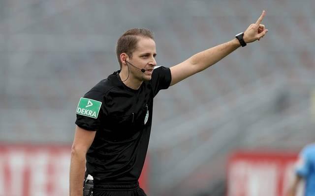 Martin Thomsen musste kurzfristig als Schiedsrichter-Assistent einspringen