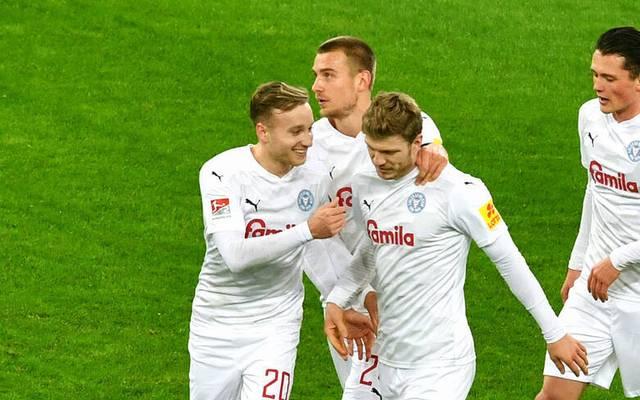 Holstein Kiel bleibt nach dem Sieg in Düsseldorf im Aufstiegsrennen