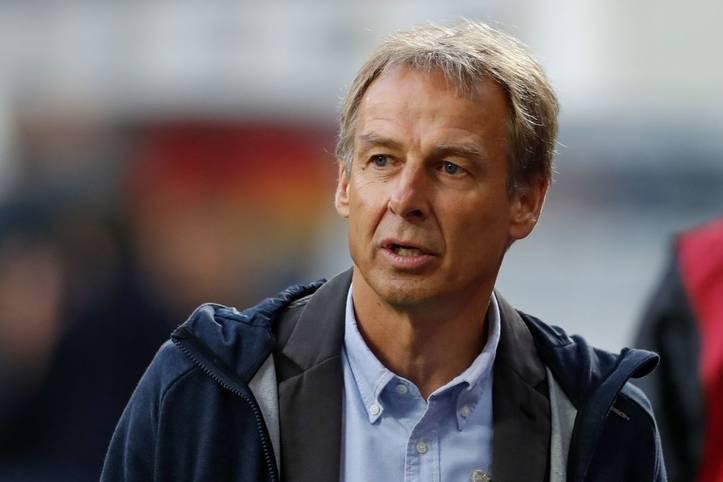 """Völlig überraschend zieht sich Jürgen Klinsmann nach nur zehn Wochen als Cheftrainer von Hertha BSC zurück. Fortan will der 55-Jährige wieder seiner eigentlichen Verpflichtung nachgehen - der Arbeit als Aufsichtsratsmitglied im """"neureichen"""" Klub"""