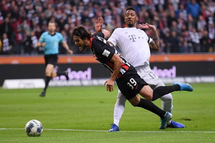 Was für ein Debakel! Der FC Bayern verliert bei Eintracht Frankfurt mit 1:5. Die ohnehin schon 10. Abwehrformation in dieser Saison wird durch Boatengs Platzverweis schnell dezimiert, danach nimmt das Unheil seinen Lauf. SPORT1 zeigt Bayerns (Horror-)Spielfilm