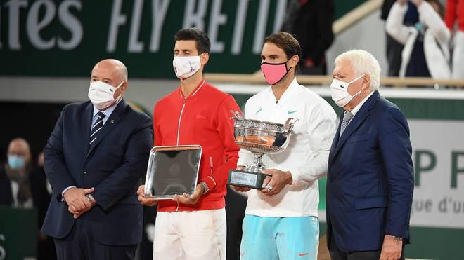 Rafael Nadal (2.v.r.) holte gegen Novak Djokovic seinen 20. Grand-Slam-Titel