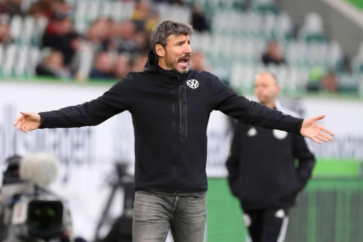 Fußball-Bundesligist VfL Wolfsburg hat bei seiner Trainersuche angeblich vor allem Florian Kohfeldt und Edin Terzic ins Visier genommen.