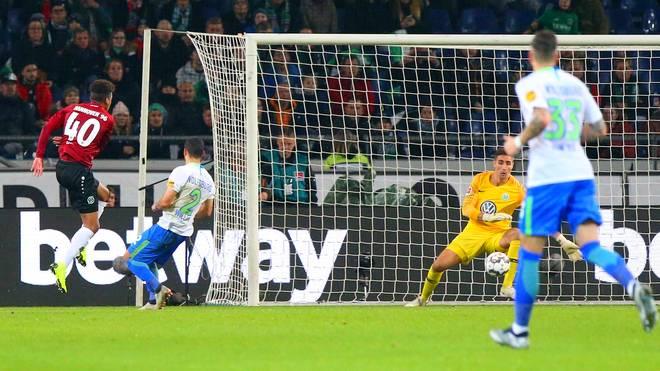Der erst 19-jährige Linton Maina erzielte gegen Wolfsburg den Führungstreffer für Hannover
