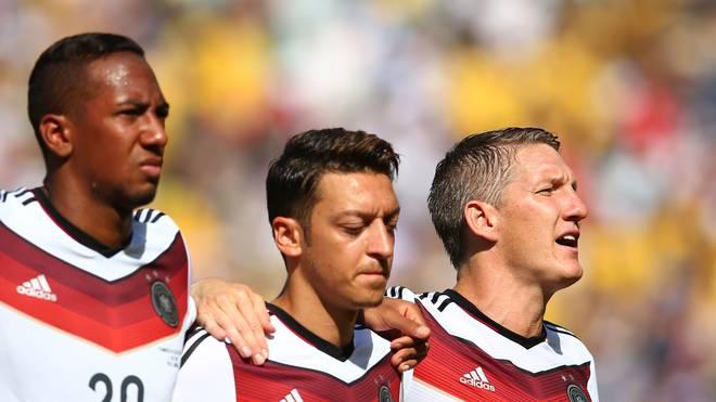 Mesut Özil verzichtet bei der Nationalhymne auf das Mitsingen