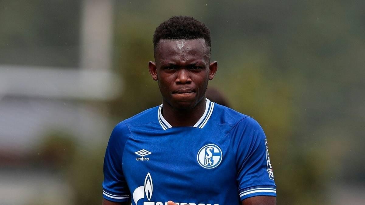 Schalke verleiht Rabbi Matondo an Stoke City