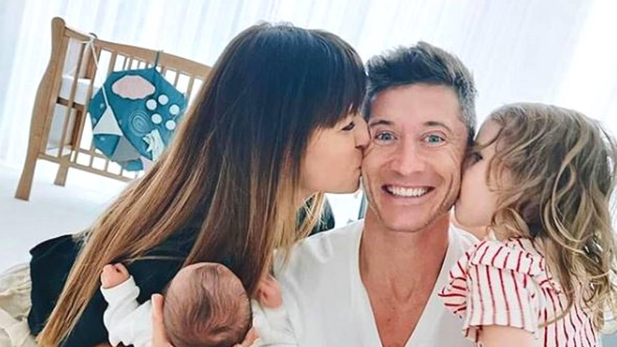 Robert Lewandowski mit seiner Familie