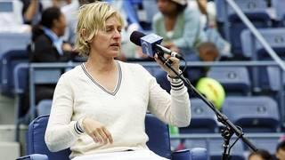 Komikerin Ellen DeGeneres legte am Kids Day der diesjährigen Australian Open einen Auftritt als Stuhlschiedsrichterin hin
