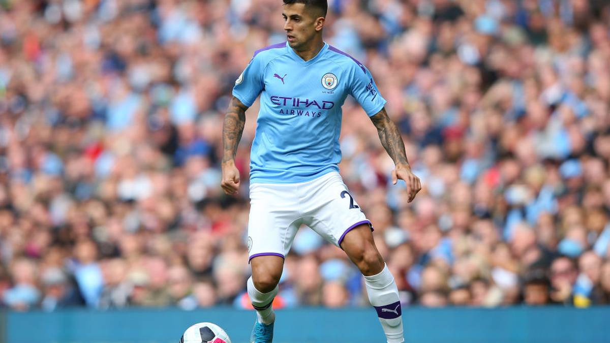 MANCHESTER, ENGLAND - OCTOBER 06:  Joao Cancelo of Manchester City during the Premier League match between Manchester City and Wolverhampton Wanderers at Etihad Stadium on October 06, 2019 in Manchester, United Kingdom. (Photo by Alex Livesey/Getty Images)