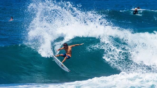 Olympia zwingt die weltbesten Surfer bei den ISA World Surfing Games zu starten