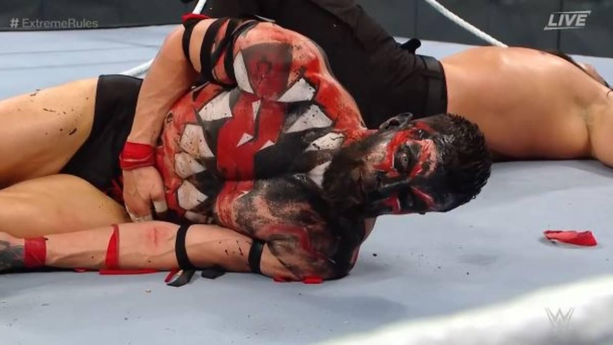 Finn Balor wurde am Ende von WWE Extreme Rules 2021 düpiert